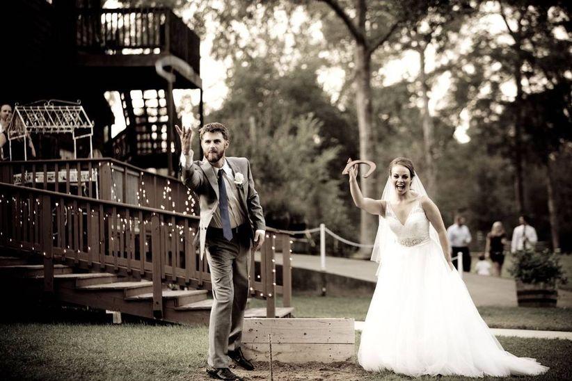 horseshoes wedding