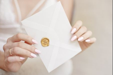 Can I Uninvite a Wedding Guest?