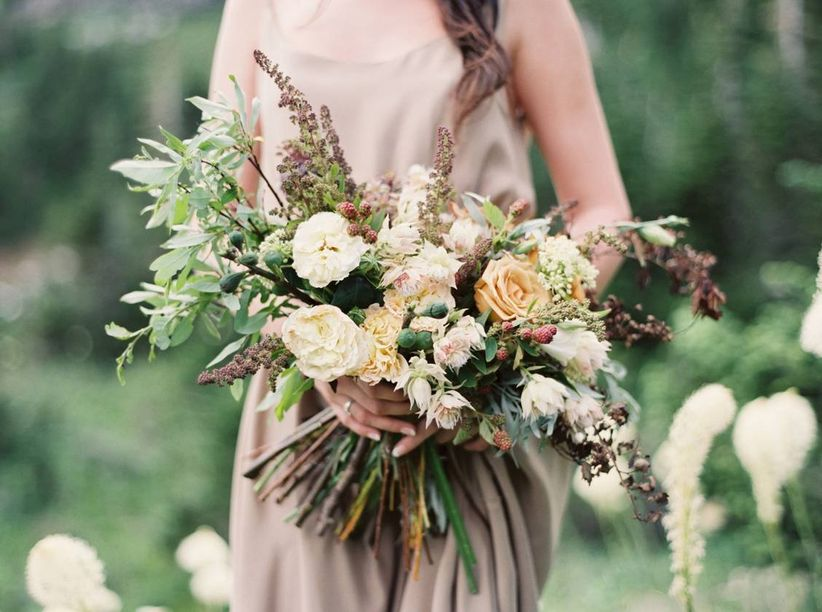 Fall Wedding Bouquets.31 Fall Wedding Bouquets That Scream Autumn Weddingwire