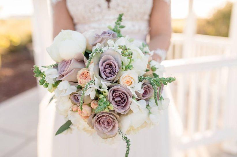 mauve rose summer wedding bouqet