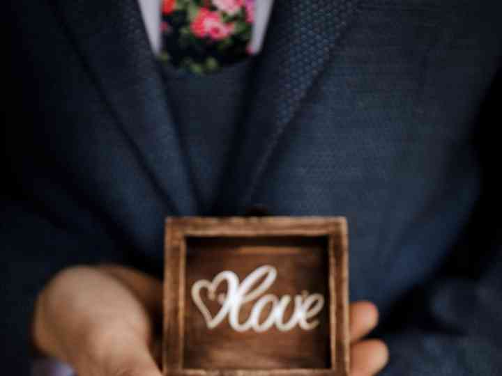 17 Wooden Ring Boxes for Your Rustic Wedding