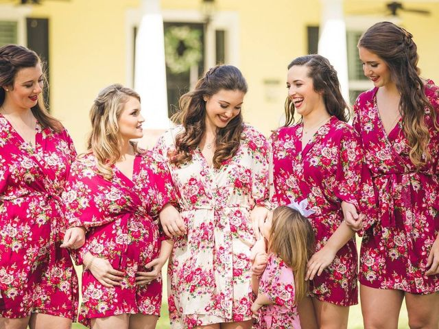The 19 Prettiest Bridesmaid Robes for You and Your Crew