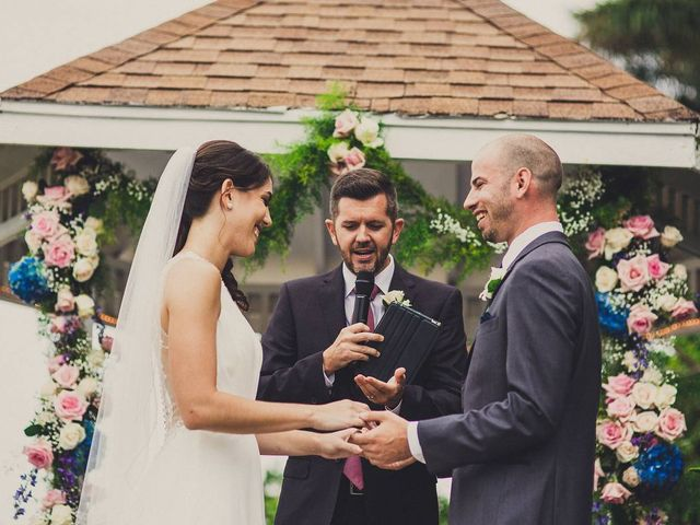 All the Types of Wedding Officiants You Need to Know