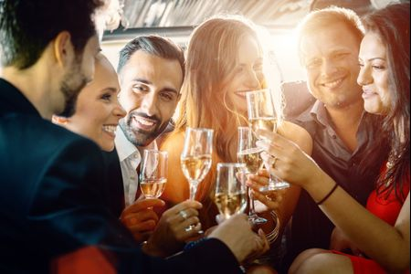 The Dos and Don'ts of Engagement Party Etiquette