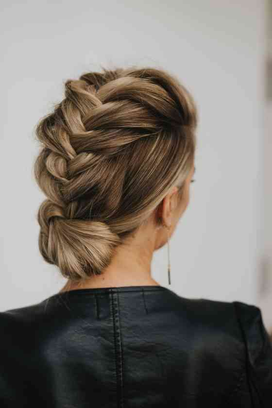 32 Wedding Hairstyles For Long Hair You Ll Want To Copy