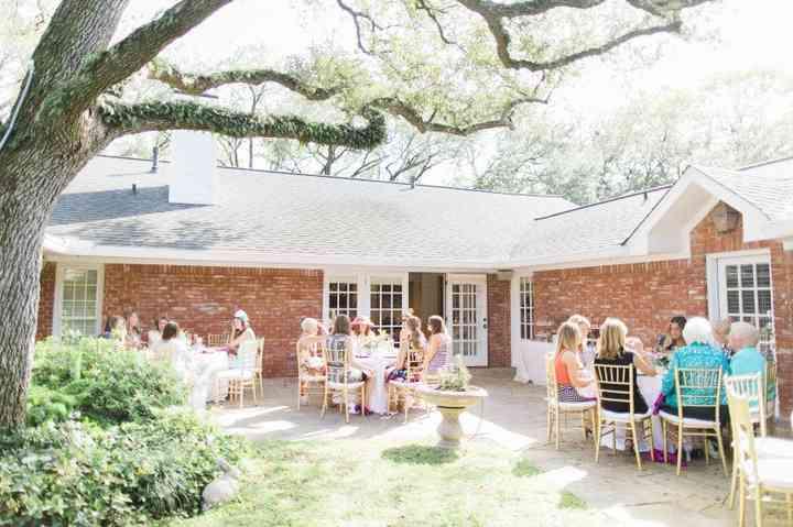 8 Steps to Hosting a Tea Party Bridal Shower - WeddingWire on outdoor shower ideas backyard, bbq ideas backyard, party ideas backyard, diy backyard, sports ideas backyard,