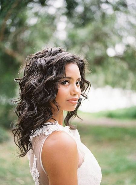 How Should You Wear Your Hair on Your Wedding Day?
