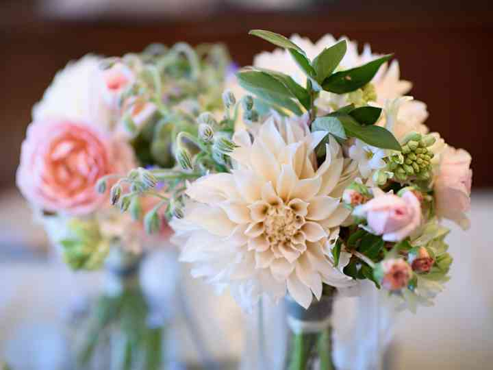The Best Fall Wedding Flowers—Straight From the Experts