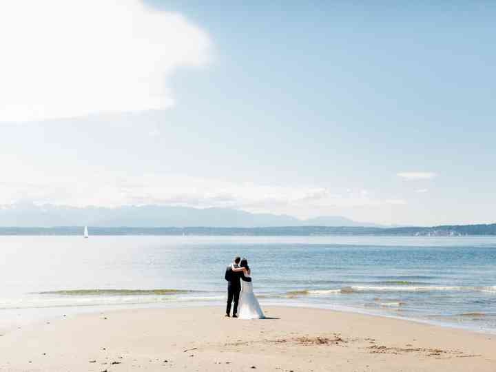 9 Beautiful Seattle Wedding Venues on the Water