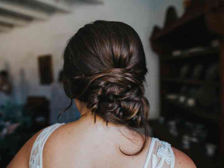 10 Summer Wedding Hairstyles You Ll Love Weddingwire