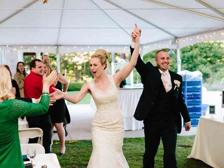 12 (Totally Surprising) Ways to Surprise Your Wedding Guests