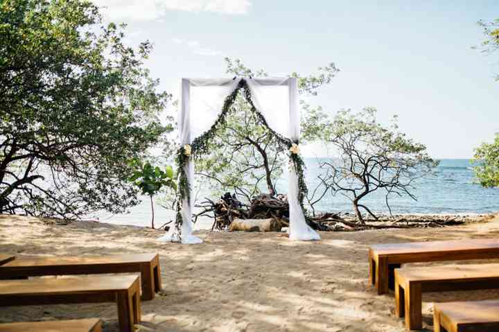 Awe Inspiring 36 Stunning Ceremony Structures For An Outdoor Wedding Gmtry Best Dining Table And Chair Ideas Images Gmtryco