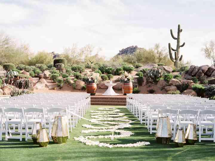 10 Outdoor Wedding Venues in Arizona with Sick Desert Views