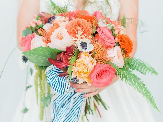 13 Beautiful Bouquet Wrap Ideas