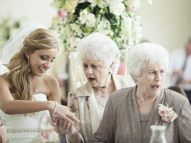 8 Ideas for Wedding Photos with Grandparents