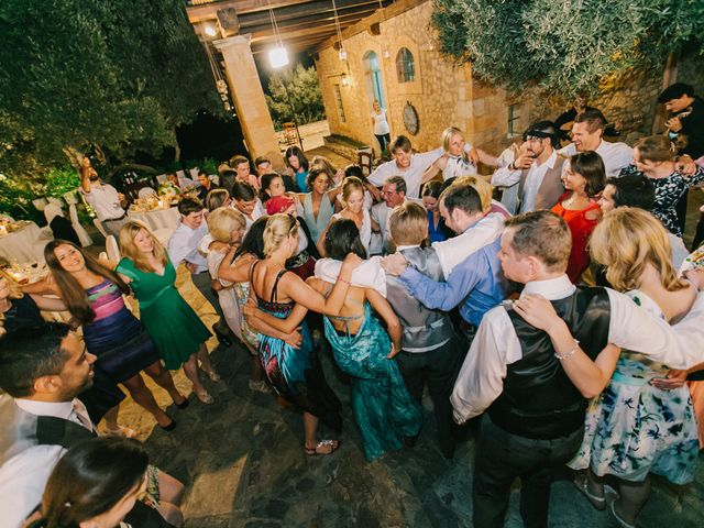 7 Greek Wedding Traditions & the Meanings Behind Them