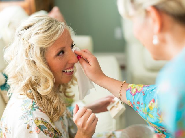 How to Choose Your Wedding Makeup Look