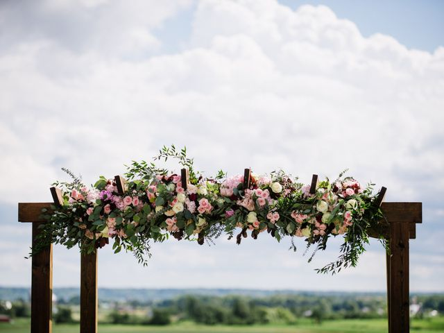 9 Things Your Wedding Florist Needs to Know