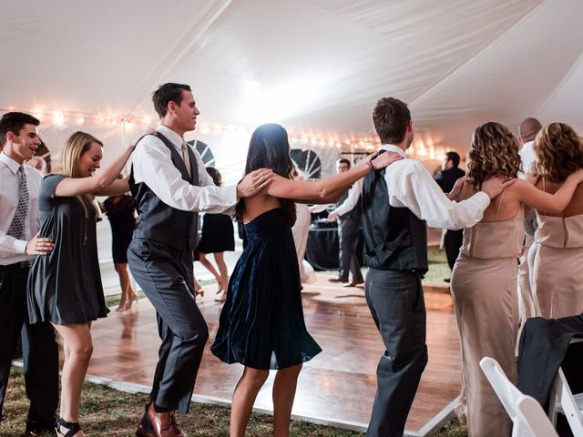 Here's What Your Wedding Guests REALLY Care About