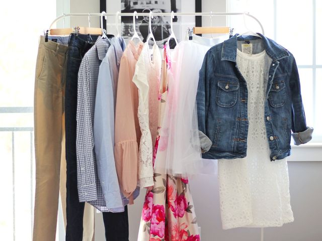 How to Choose Your Engagement Photo Outfits