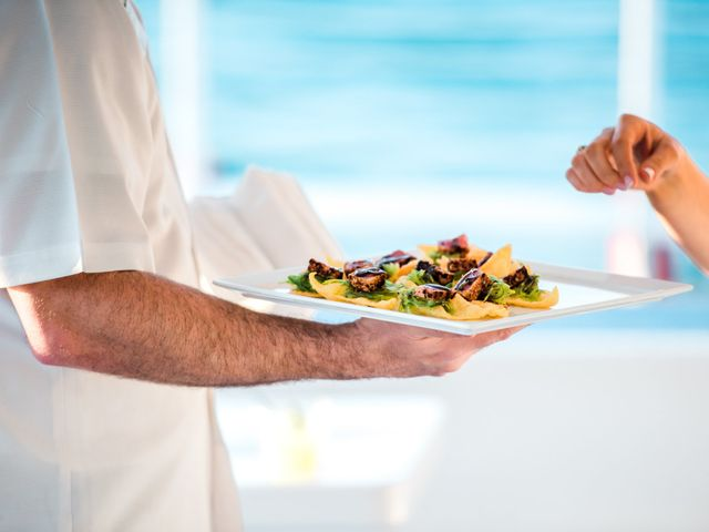The 11 Best Dishes to Eat on Your Honeymoon