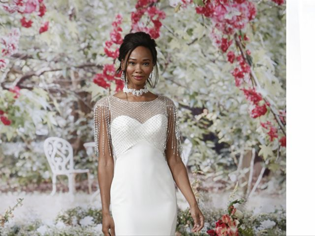 10 Amazing Las Vegas Wedding Dresses