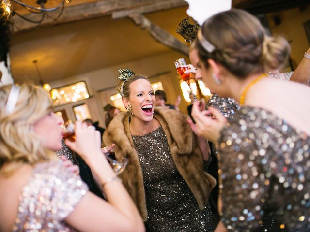 How to Throw a Killer New Year's Eve Wedding