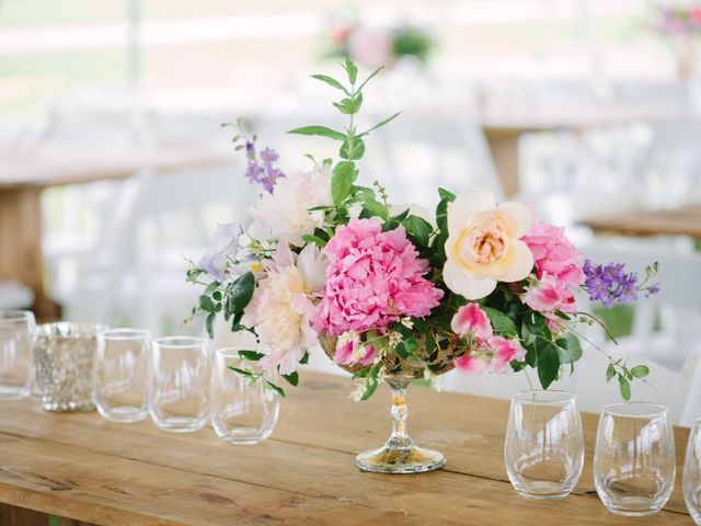 How to Throw an Engagement Party on a Budget in 5 Easy Ways
