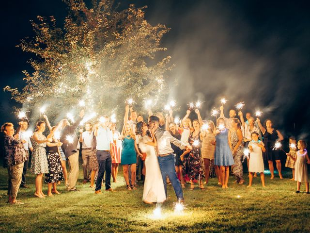 7 Tips for Attending a Wedding When You Don't Know Anyone
