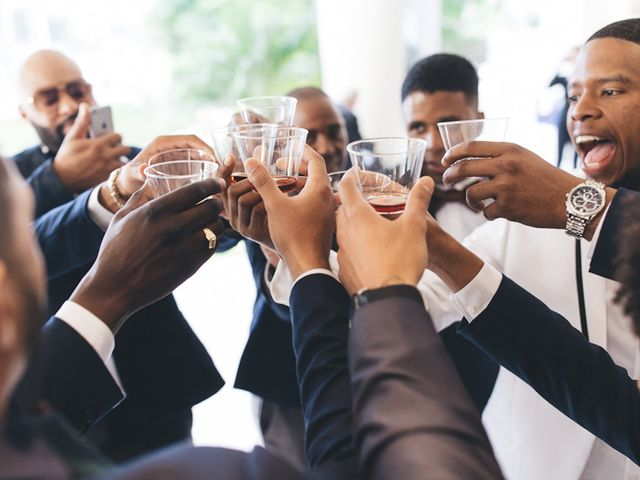 7 Not-So-Obvious Tips for Happy Groomsmen