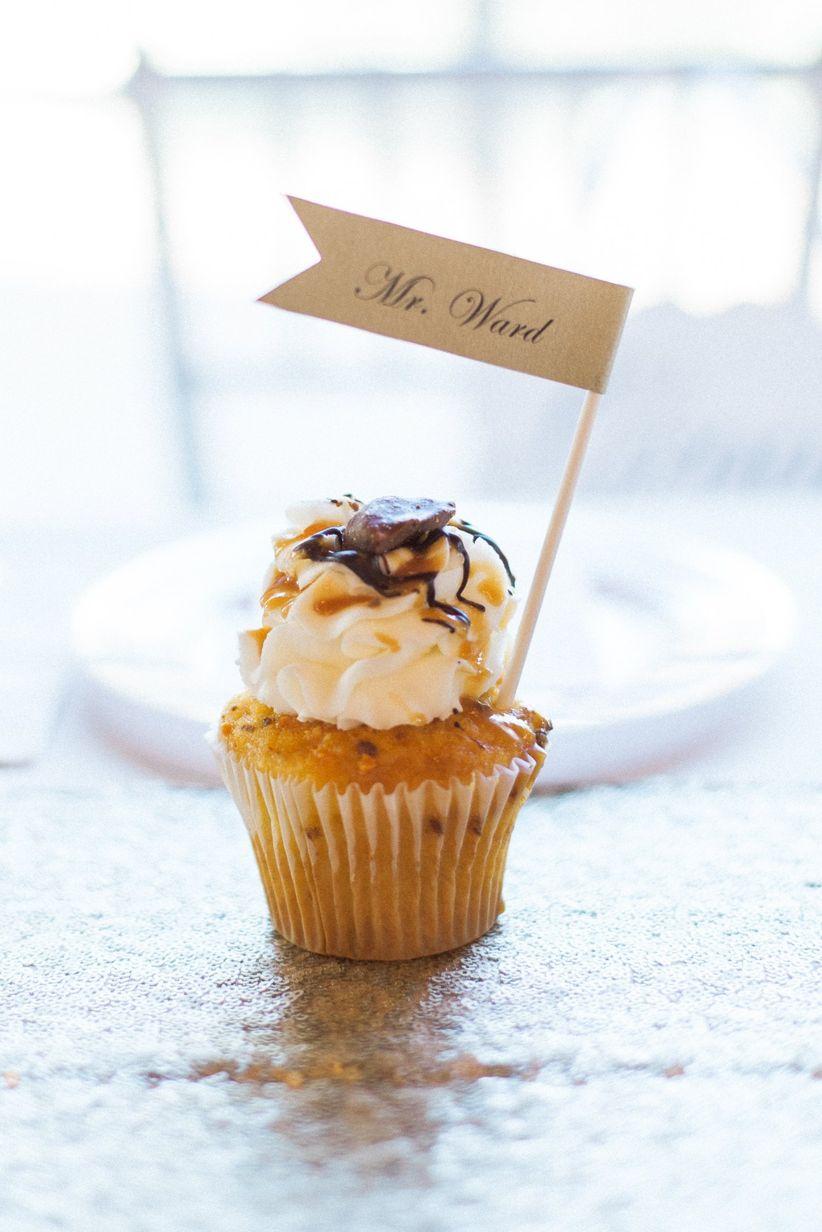 cupcake escort card