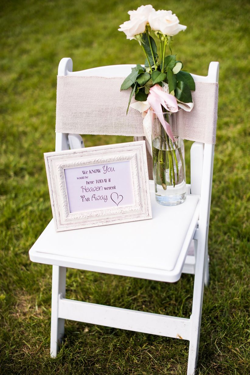 memorial chair at ceremony - marianne wiest photography