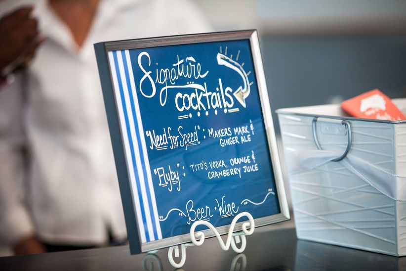 signature cocktail sign - red bridge photography