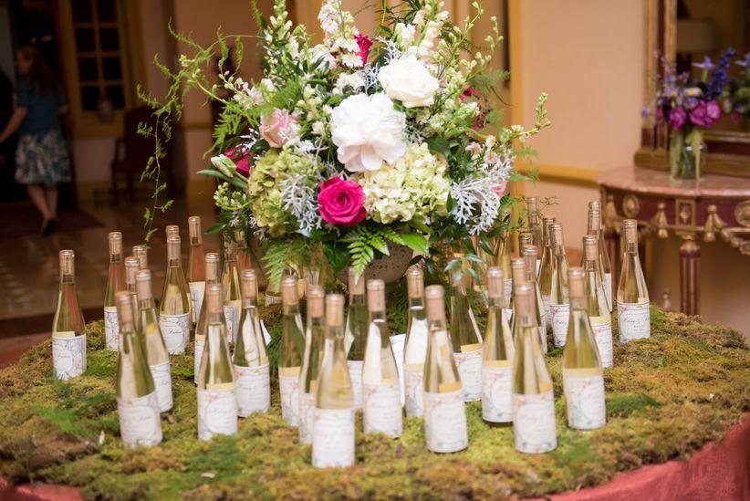 wine bottle favors display <li>kathleen hertel photography