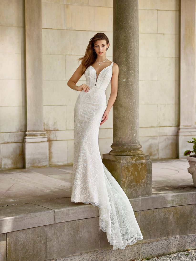deep neckline wedding dress