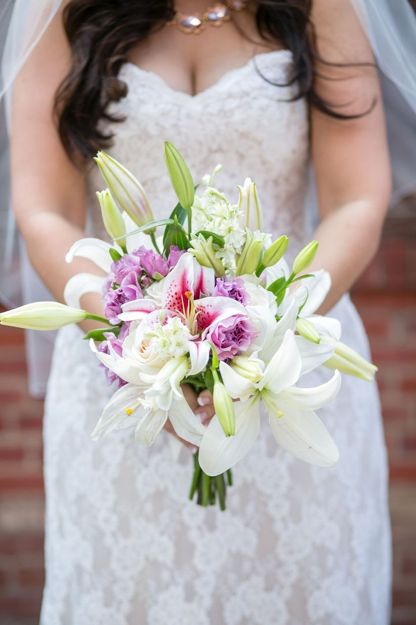 white lily bouquet - joice ruffing photography