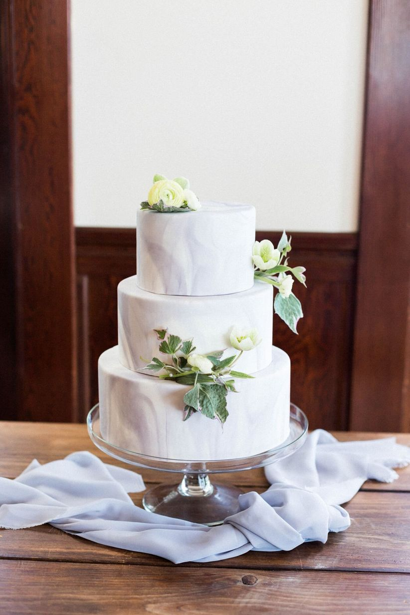 gray marbled wedding cake - darling photography