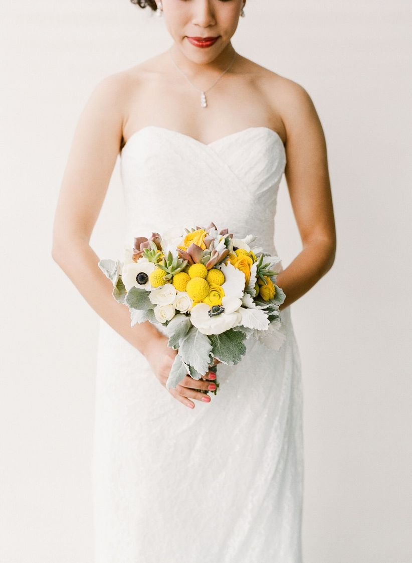 modern white and yellow spring bouquet