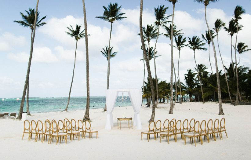 10 Destination Wedding Etiquette Tips You Need To Know Weddingwire