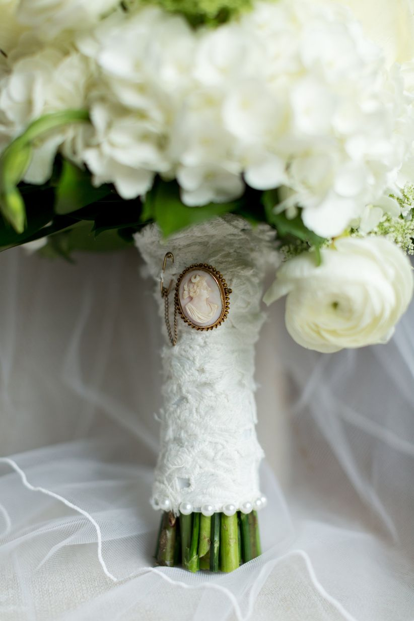 13 Beautiful Bouquet Wrap Ideas Weddingwire