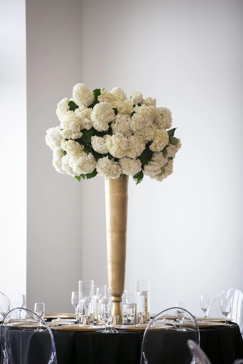 12 Wedding Flowers That Are Always in Season - WeddingWire
