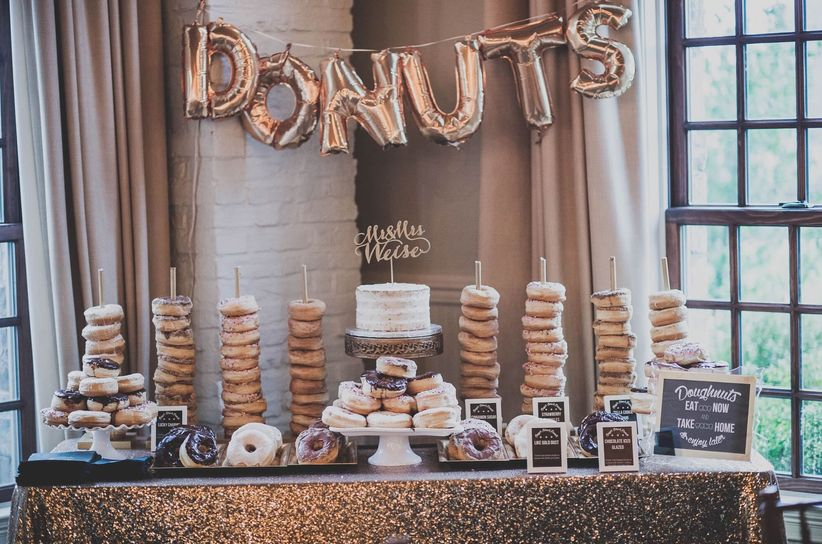 donut display wedding