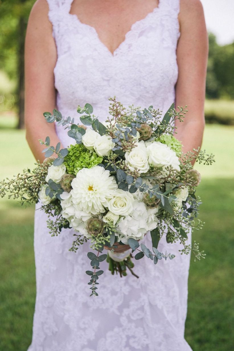 green and white summer bouquet - zoe life photography