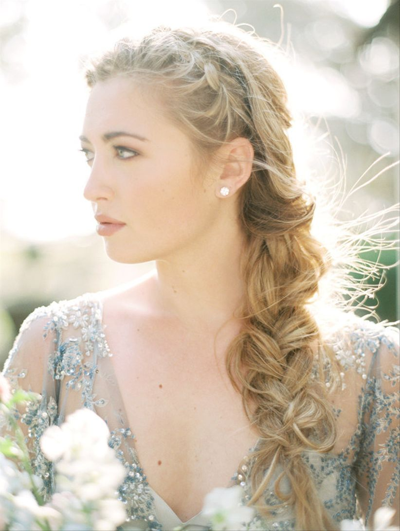 20 Bridesmaid Hairstyles We Know You\'ll Love - WeddingWire