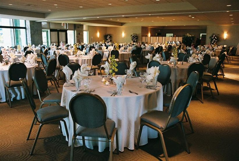 10 scenic milwaukee wedding venues on lake michigan weddingwire keep reading to learn more about these epic milwaukee wedding venues on lake michigan junglespirit Images