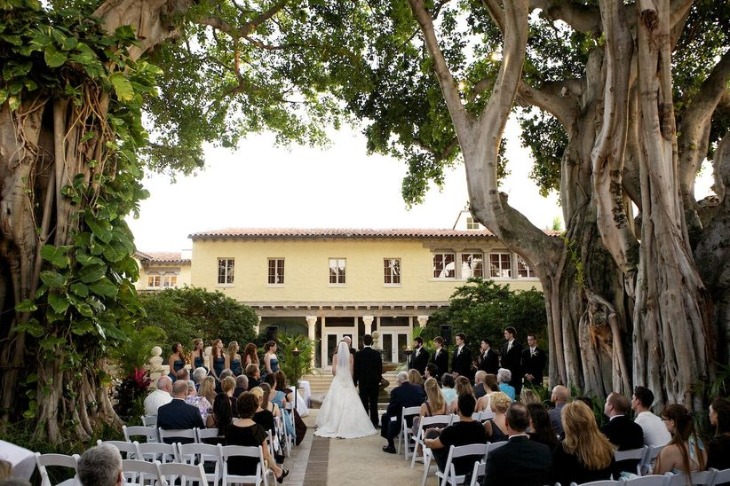 13 gorgeous outdoor wedding venues in miami weddingwire outdoor wedding ceremony junglespirit Images