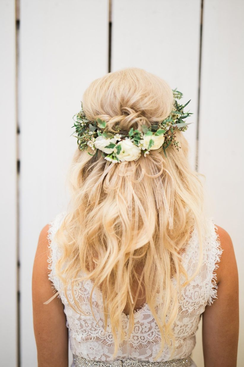 Our 16 Favorite Wedding Hairstyles With Flowers Weddingwire