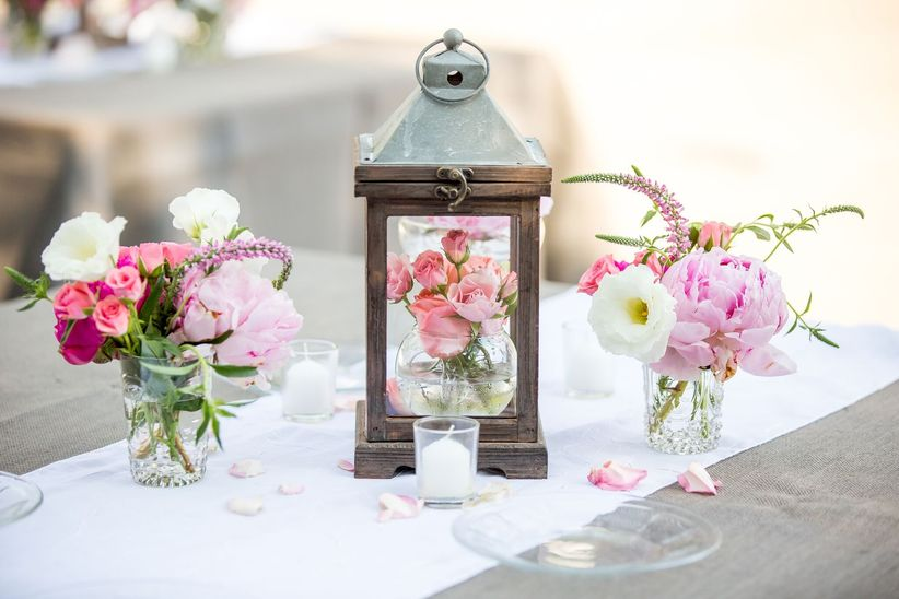 shabby chic centerpiece with lanterns
