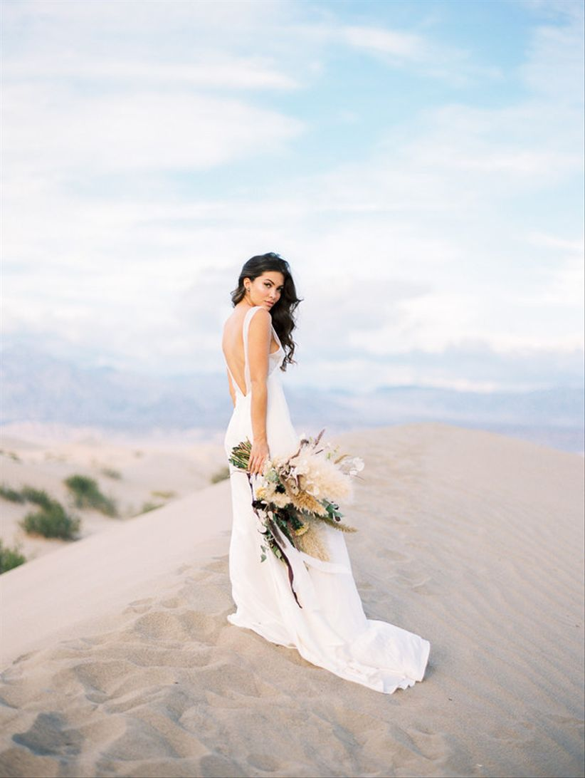 Desert Weddings Are Totally A Thing Here S How To Nail It