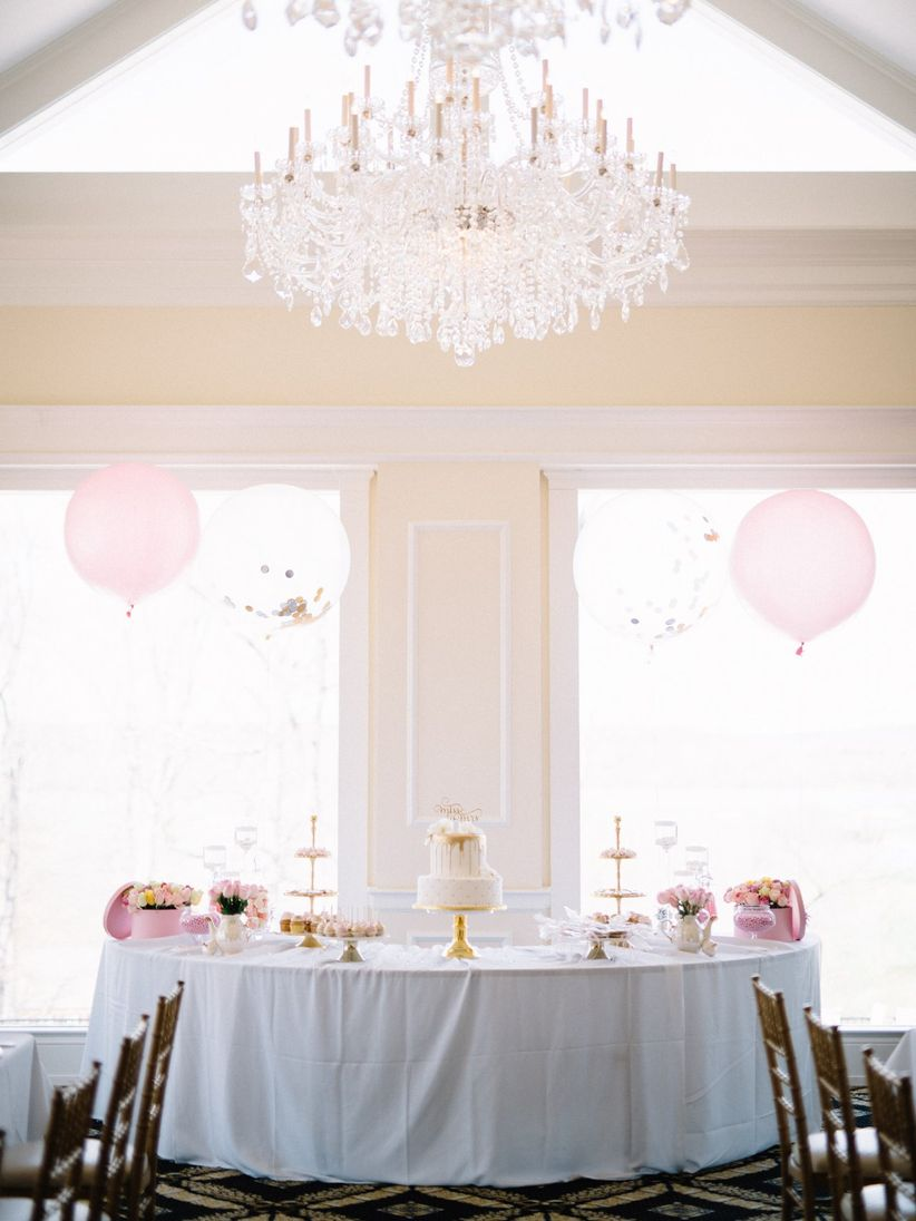 How to Throw a Bridal Shower That\'s Seriously Glam - WeddingWire